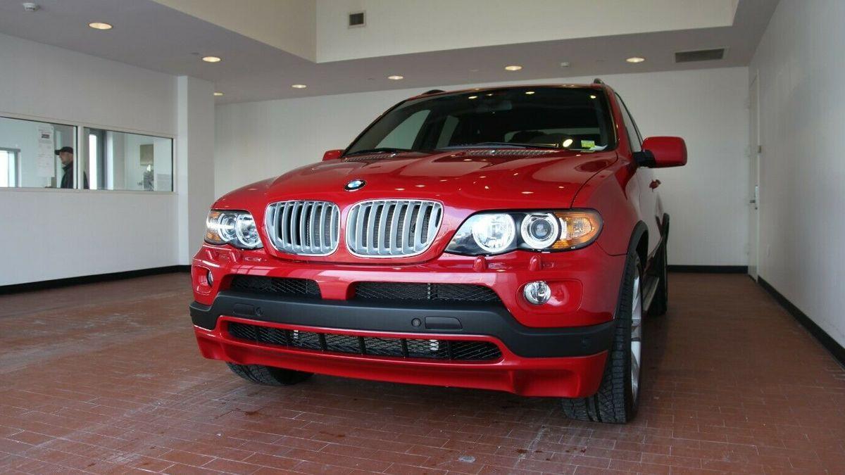15-летний BMW X5 в состоянии нового продают за 3,7 миллиона рублей